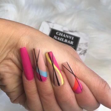 15 Vrolijke nagel designs voor de zomer